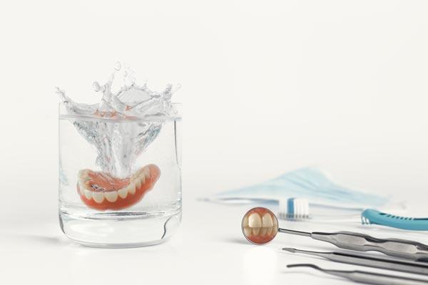 Consejos para cuidar tu prótesis dental