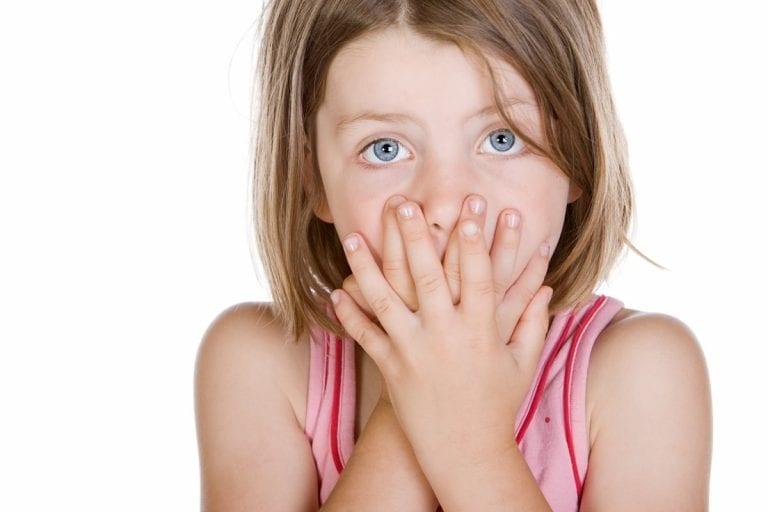 Dientes amarillos en niños