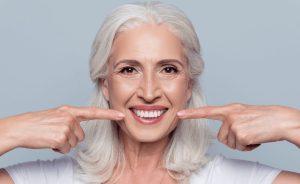 Cómo puede ayudarte la prostodoncia dental